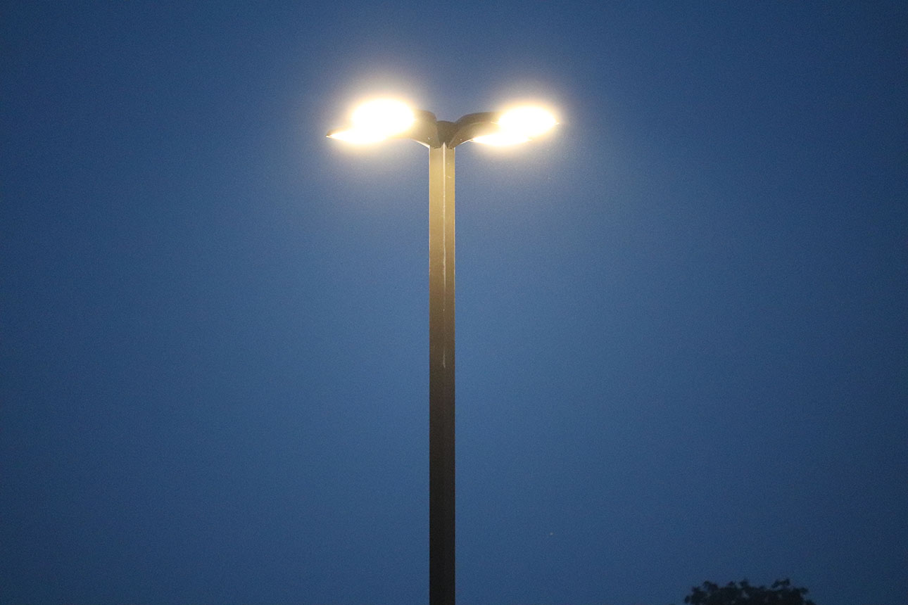 Heavy Duty Steel Light Pole Image
